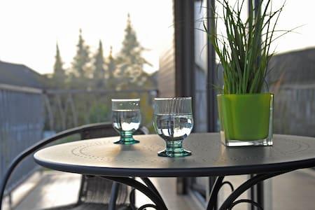 Großzügige Ferienwohnung mit Balkon - Speyer - Appartement