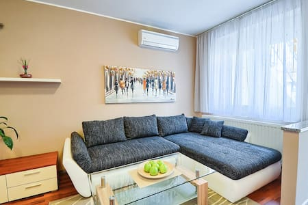 Apartment 50 m from Arena - Pula - Wohnung