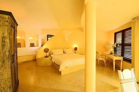 Nilaya Hermitage Luxury Boutique room : SUN - Inap sarapan