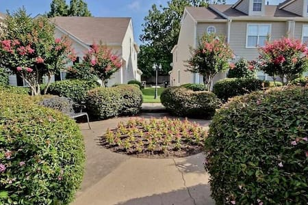 Memphis Retreat - Collierville - Townhouse