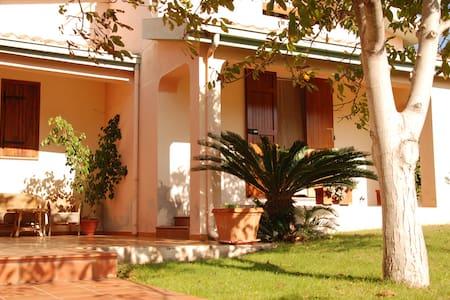 Villa Galtellì - Galtellì - Villa