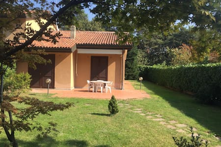 Villetta Pinetina Golf club - Rumah