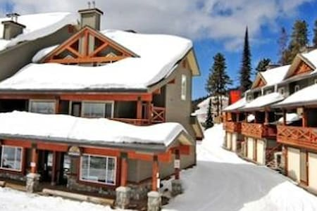 Ski-In Ski-Out Condo Big White - Kelowna