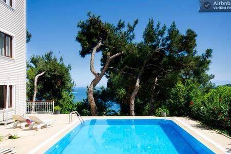4 Floor with pool and sea view Villa - Vila
