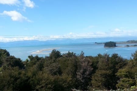 Eco friendly with spectacular sea views - Kaiteriteri - Bed & Breakfast