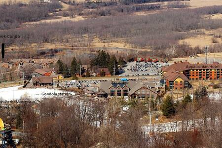 pure slope-side luxury - Vernon Township - Villa