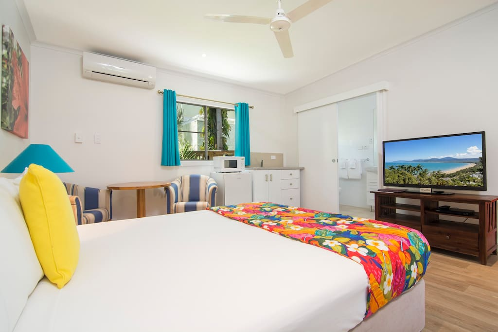 Queen bed with kitchenette, T.V, DVD player and aircon.