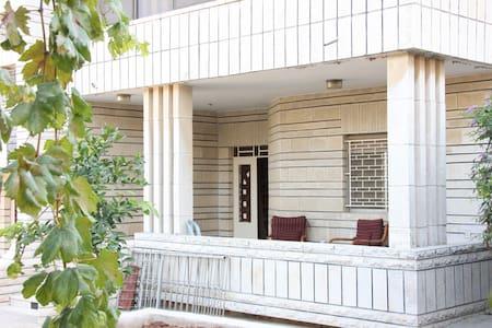 Private room in Ramallah Internations' house - Villa
