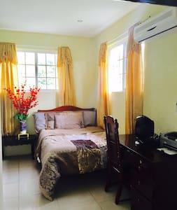 Cozy Belizean Casa - Belmopan