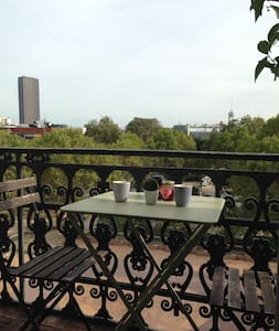 Charming and cosy flat with a balcony in the 14th - Appartement