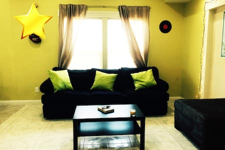 SIMPLE STAY NEAR DOWNTOWN ! - Dorm