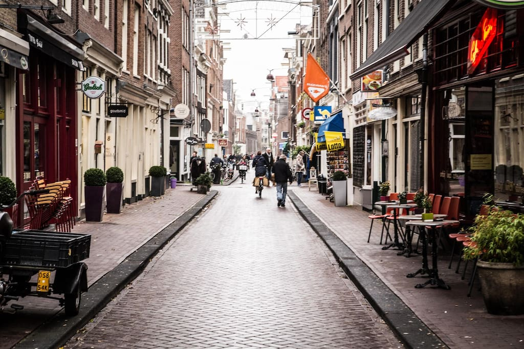 Around the corner are a lot of bars, restaurants and shops!