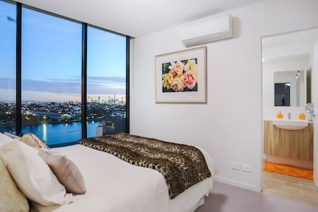 Luxury 2 Bed Riverside Apartment Portside Brisbane - Lejlighed