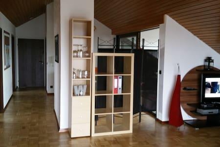 Wohnung Nähe Audi, Ruhig und herrliche Aussicht - Condominium