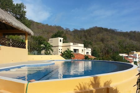 Gorgeous Villa in Huatulco - House
