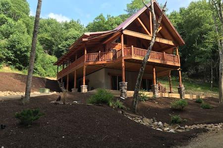 Creekside Cabin - Willis - Cabanya
