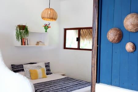 3 min from the beach, bright & comfortable studio - Puerto Escondido - House