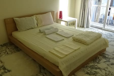 1 bedroom studio apartment in Nicosia City Center - Никосия