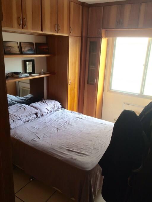 Suite(quarto c banheiro)