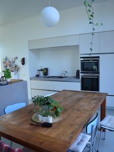 Modern woonhuis stadstuin Antwerpen Kiel + Fietsen - Haus
