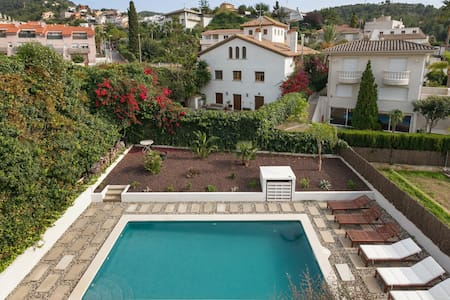 Triple Room in Luxury Sea View Villa With Pool - Sitges