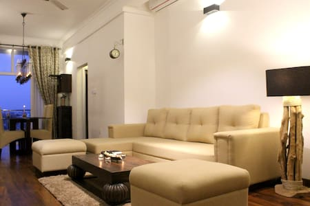 Sea View Fully Furnished 2BR Luxury Apartment - Colombo - Apartment