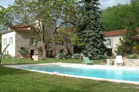 Sublime proprieté  XIXème, piscine, parc à jeux - Vers