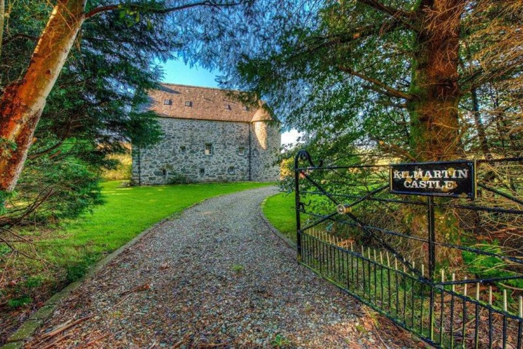 castles for rent on airbnb