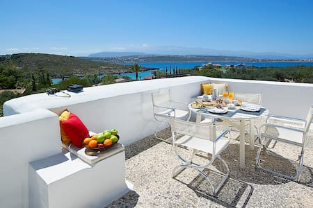 4 bedroom villa 15 meters away from the beach - Chania