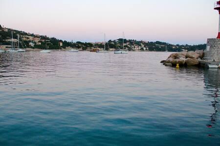 Se loger à 2/6 au milieu d une baie paradisiaque - Båt
