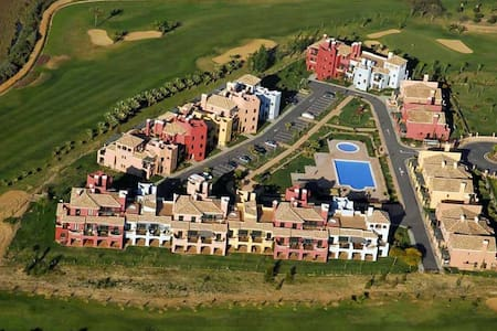 Ayamonte Apartment near beach w/Kids Pool & Golf - Huoneisto