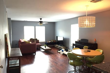 A Comfy Room in the Heights 1BD 1 BTH - Houston - House
