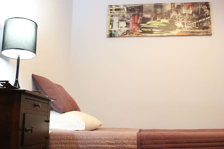 Rome To Stay Guesthouse (single room) - Roma - Bed & Breakfast