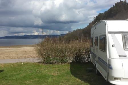 Hobby  495 De Luxe - Camper - Holmestrand - Campingvogn