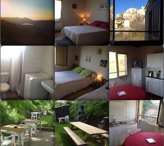 Appartement n°2 45m² rez de jardin - Byt