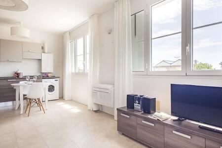 Lovely studio with huge terrace & parking - Marina di Ravenna - Apartment