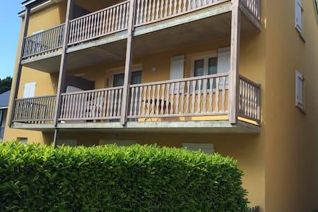 Appartement calme et ensoleillé  4 pers - Lägenhet