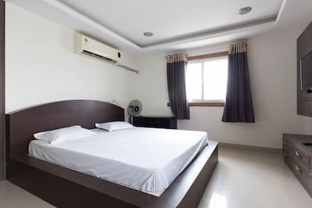 Excellent apartment HiTech city (2) - Hyderabad - Apartment