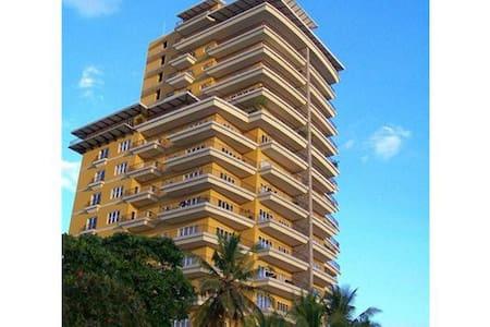 Room type: Entire home/apt Property type: Condominium Accommodates: 4 Bedrooms: 2 Bathrooms: 2.5