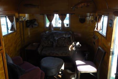 Desert Trip - Vintage Airstreams - Indio - Camper/RV