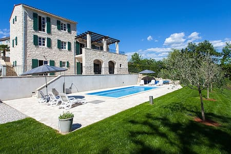 Beautiful 4* Villa Private Pool, Motovun Istria - Motovun