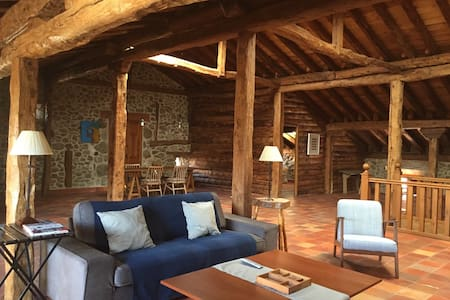 Dream loft 2/4 pers, 17km from Segovia - Hus
