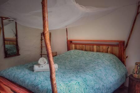 Private room inside a coffee farm - Minca
