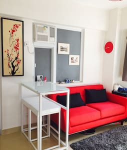 Stylish Apartment Next to Metro - Hong Kong Island - Wohnung