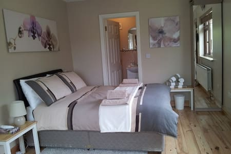 Modern, studio apartment in the country - Kildare