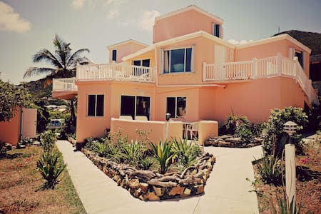 Paradise Villa: Caribbean Ocean View - Studio - Villa