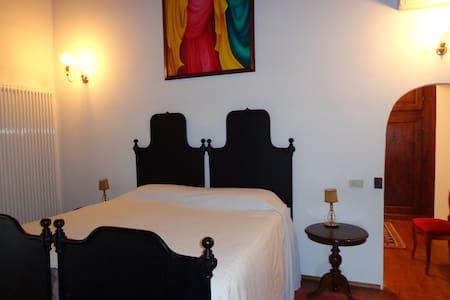 Suite de Charme - Hus