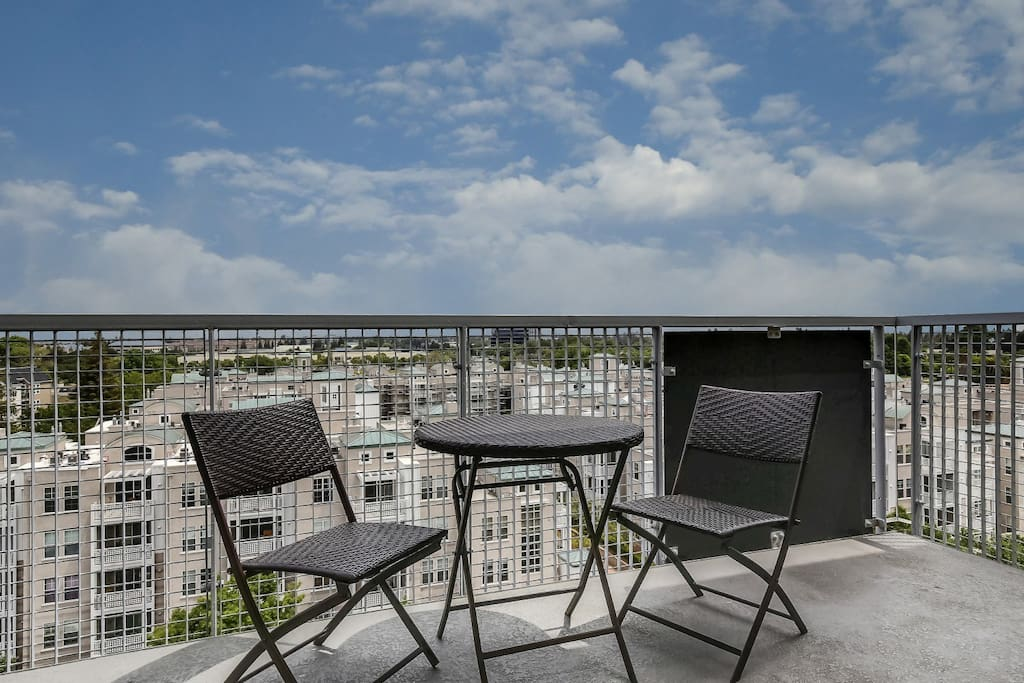 Private balcony with bistro dining set and amazing views!!
