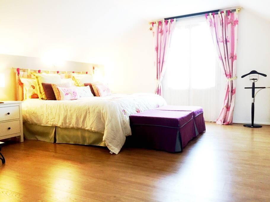 Id al pour visiter paris ou disney maisons louer - Lit king size 200x200 pas cher ...
