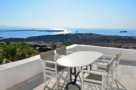Beautiful sunset villa in Paros - House